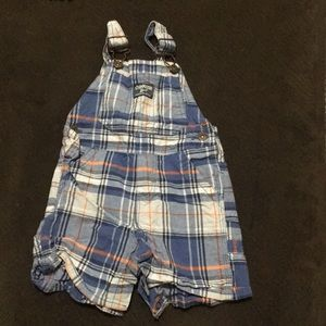 OshKosh B'gosh plaid baby overalls 😍